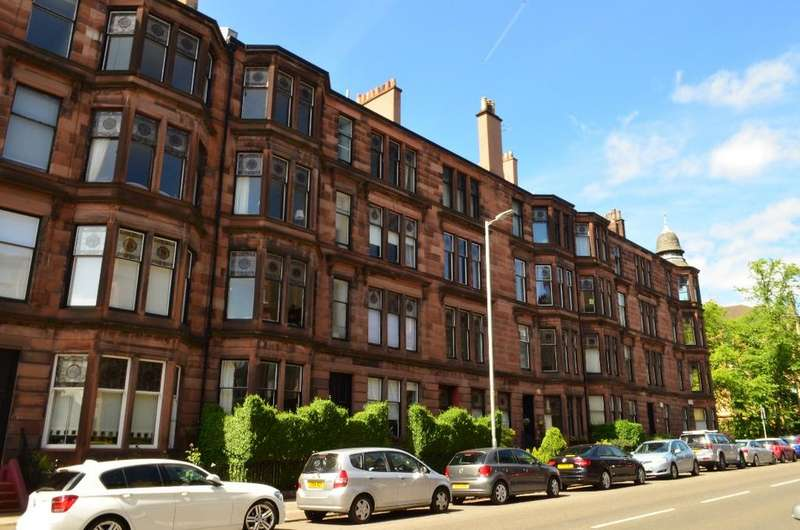 4 Bedrooms Flat for sale in Hyndland Road, Flat 2/1, Hyndland, Glasgow, G12 9PN