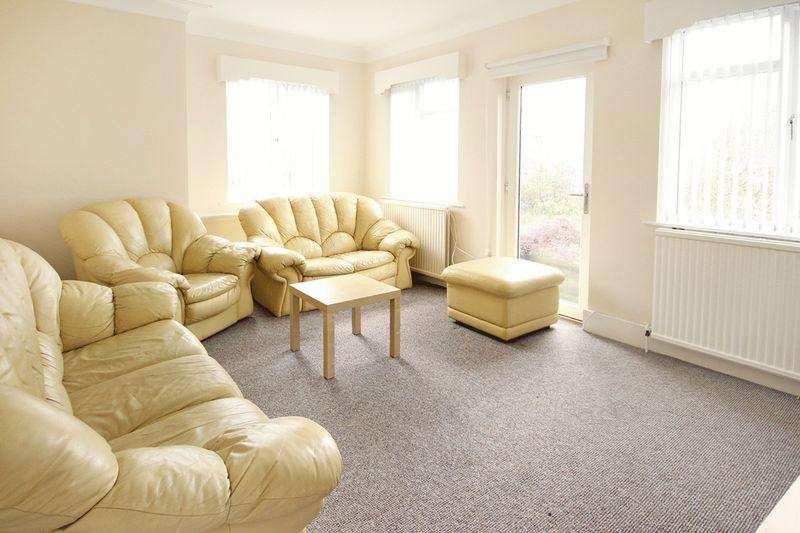 6 Bedrooms Apartment Flat for rent in Ancaster Road, Leeds