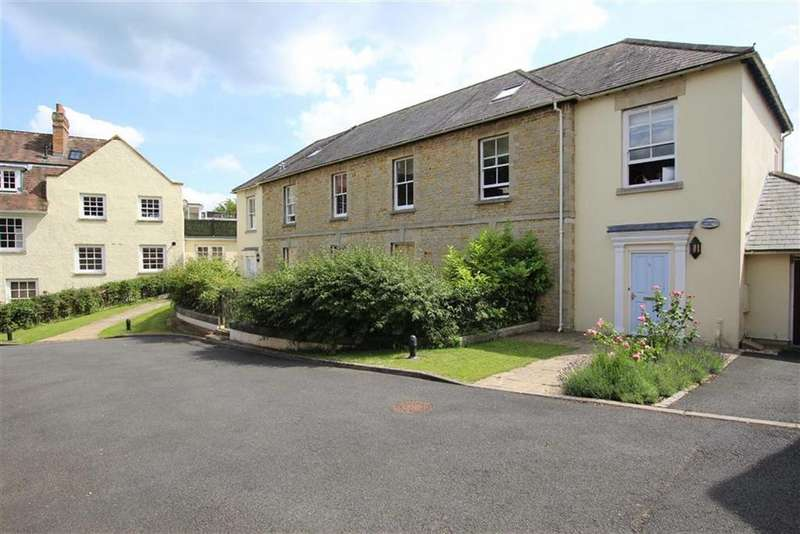 2 Bedrooms Apartment Flat for sale in 7, Brackley Lodge Mews, Brackley