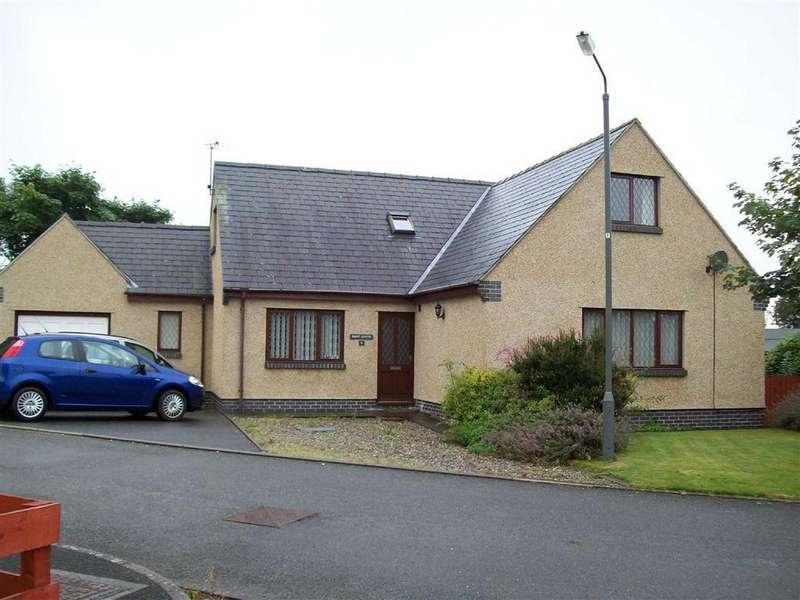 4 Bedrooms Detached Bungalow for sale in Pant Llwyd, 5, Parc Gwyrdd, Bryncrug, Gwynedd, LL36
