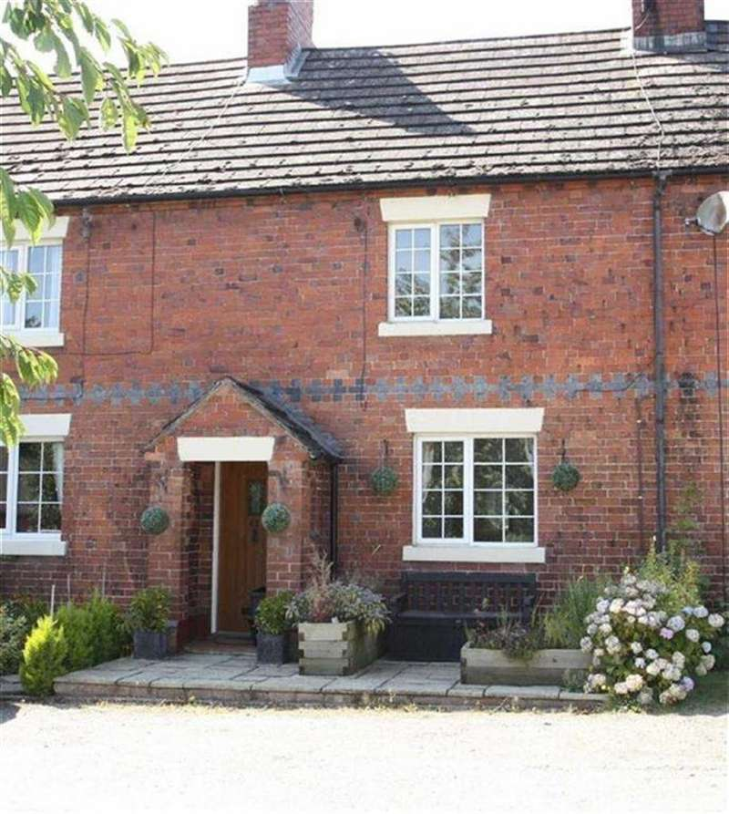 3 Bedrooms Terraced House for sale in 41, Prescott Road, Baschurch, SY4