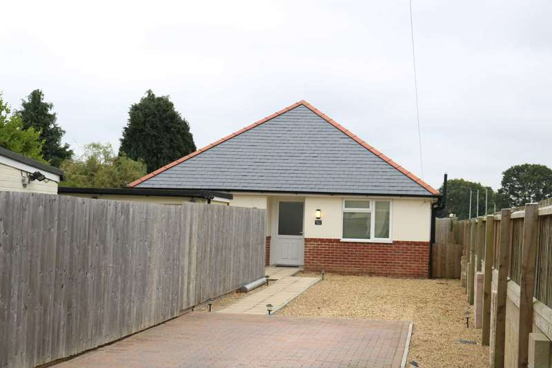 2 Bedrooms Detached Bungalow for sale in BH10 Horsham Avenue, Bournemouth