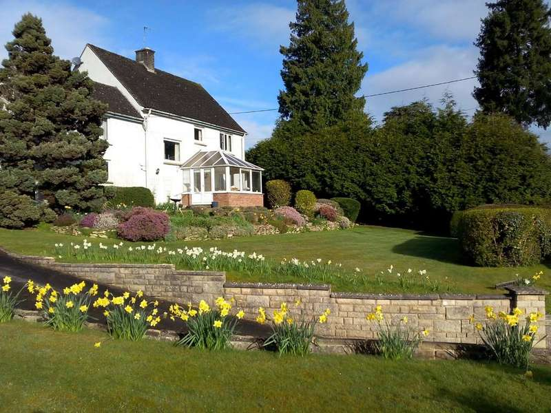 4 Bedrooms Detached House for sale in Woodchester