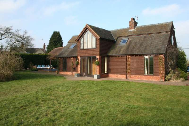 3 Bedrooms Barn Conversion Character Property for sale in Stafford, Staffordshire