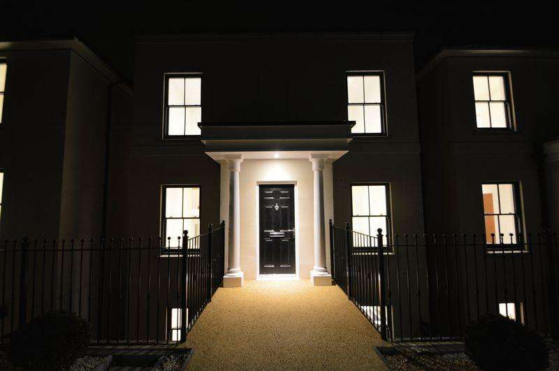 5 Bedrooms Detached House for sale in CENTRAL RYDE
