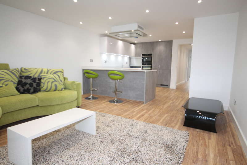2 Bedrooms Apartment Flat for sale in Flat 2 (B), 41-43 Mill Street, Bedford, MK40
