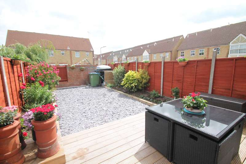 2 Bedrooms Terraced House for sale in Fowler Close, Southend On Sea