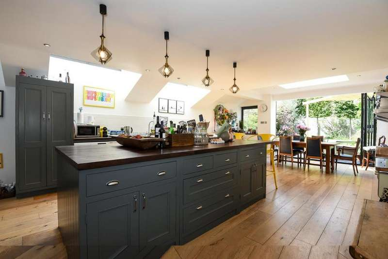 6 Bedrooms Semi Detached House for sale in Oakhurst Grove, East Dulwich