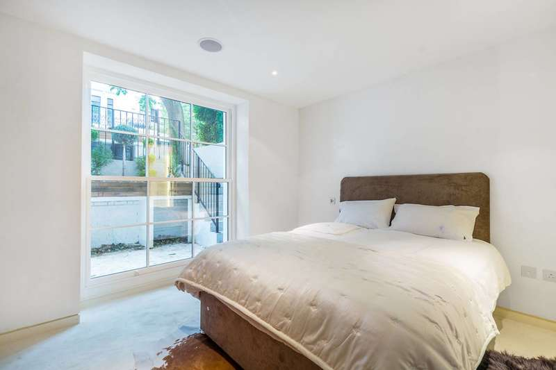 2 Bedrooms Flat for sale in Hereford Road, Notting Hill, W2