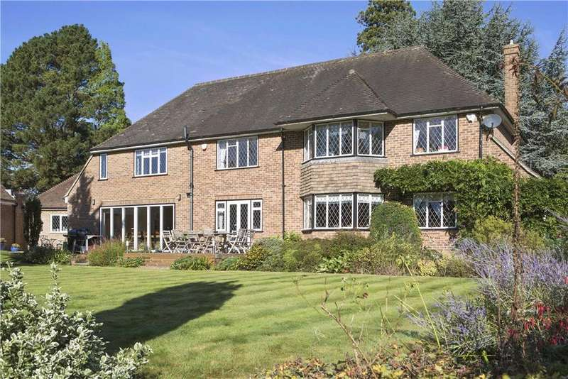 4 Bedrooms Detached House for sale in The Street, Betchworth, Surrey, RH3