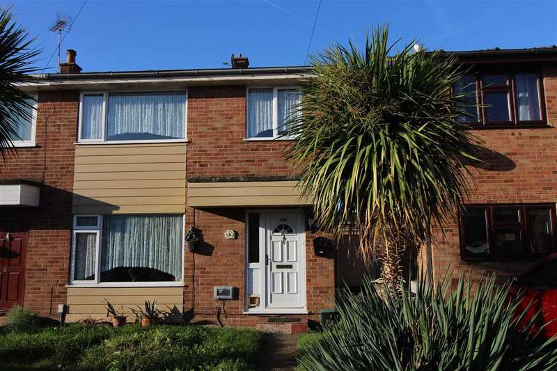 3 Bedrooms Semi Detached House for sale in Canvey Island