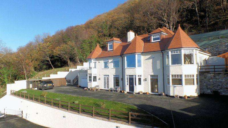 5 Bedrooms Detached House for sale in Bishopswood Road, Prestatyn