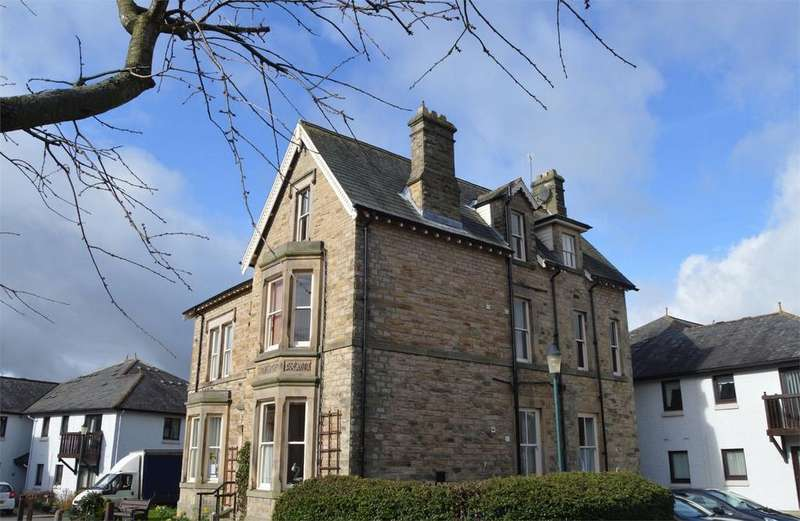 3 Bedrooms Flat for sale in 36 Grove Park, Victoria Road, Barnard Castle, County Durham