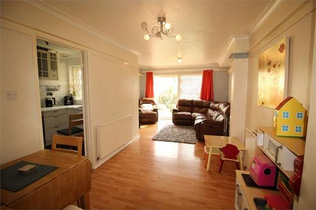 3 Bedrooms Semi Detached House for sale in Pawsons Road, Croydon, Surrey