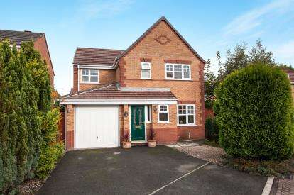 4 Bedrooms Detached House for sale in Browning Close, Ettiley Heath, Sandbach, Cheshire