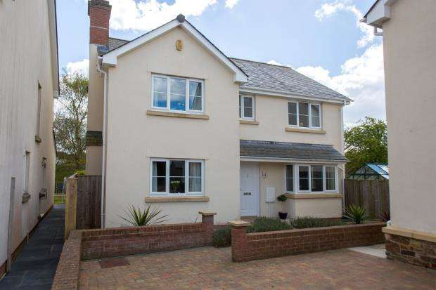 4 Bedrooms Detached House for sale in Chapel Close, Yeoford, Crediton, Devon