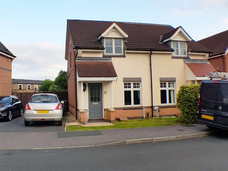 2 Bedrooms Semi Detached House for sale in McLaren Fields, Leeds, West Yorkshire, LS13
