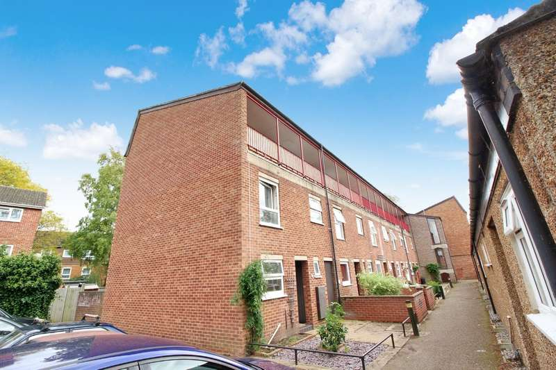 2 Bedrooms Flat for sale in Langley Walk, Norwich