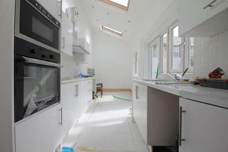 5 Bedrooms Terraced House for rent in Mostyn Road, Edgbaston, B16