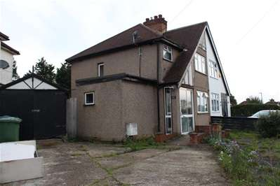 3 Bedrooms Semi Detached House for sale in Windsor Road, Harrow Weald