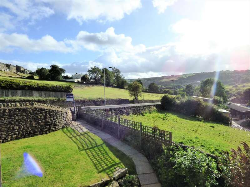 6 Bedrooms Link Detached House for sale in Cryer Meadows, Haworth