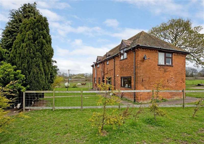 3 Bedrooms Detached House for sale in Farmhouse, Land And Barns, Coach House Farm, Newport Road, Wolverhampton, Shropshire, WV7