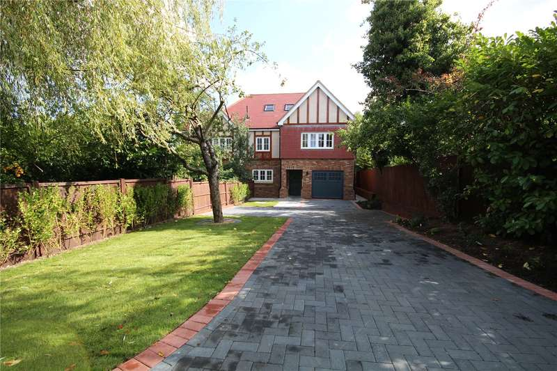 5 Bedrooms Detached House for sale in The Approach, Prospect Close, Bushey, WD23