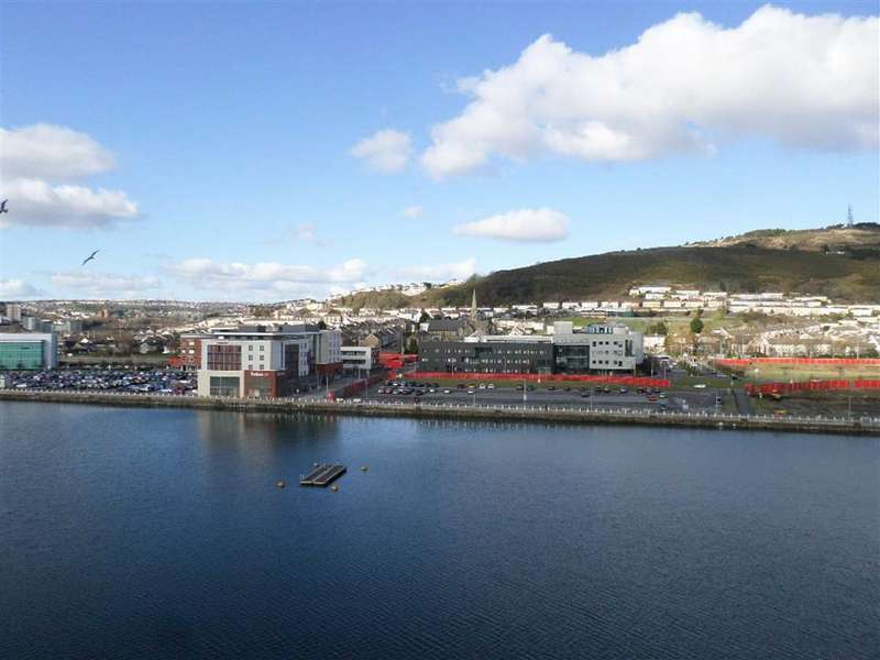 2 Bedrooms Apartment Flat for sale in South Quay, Kings Road, Swansea