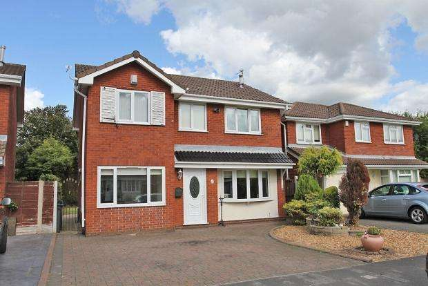 4 Bedrooms Detached House for sale in HIGHWOODS CLOSE WIGAN ASHTON IN MAKERFIELD