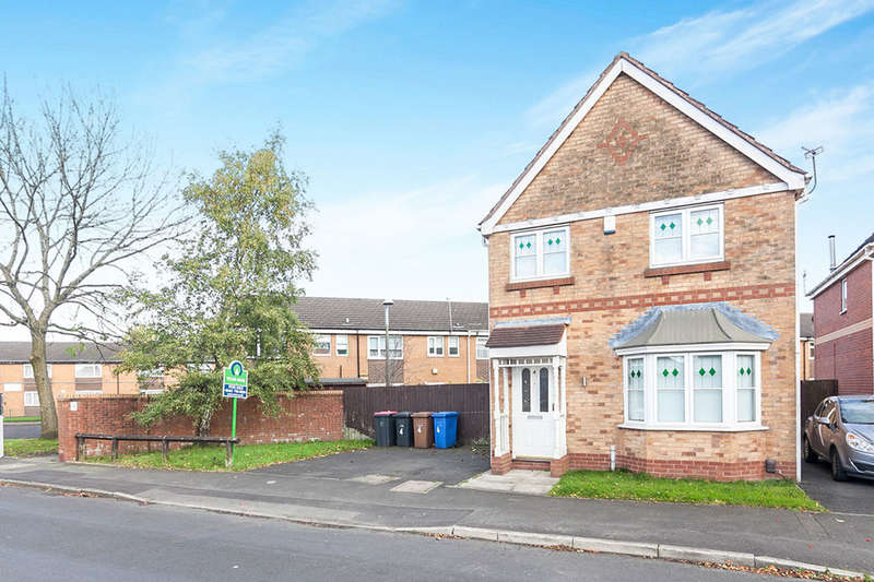 3 Bedrooms Detached House for sale in Carlisle Street, Pendlebury,Swinton, Manchester, M27