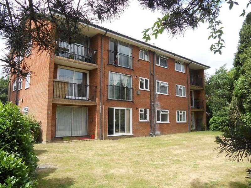 2 Bedrooms Apartment Flat for sale in Littledown Court, Dean Park, Bournemouth, BH1