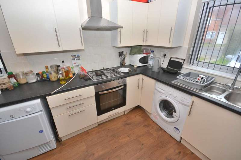 3 Bedrooms Semi Detached House for rent in Linden Road, Shinfield, Reading, Berkshire, RG2 7EQ