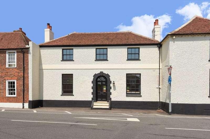 4 Bedrooms House for sale in Stane Street, Westhampnett, PO18