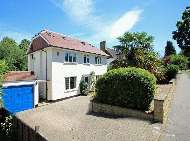 6 Bedrooms Detached House for sale in Manor Way, South Croydon, Surrey