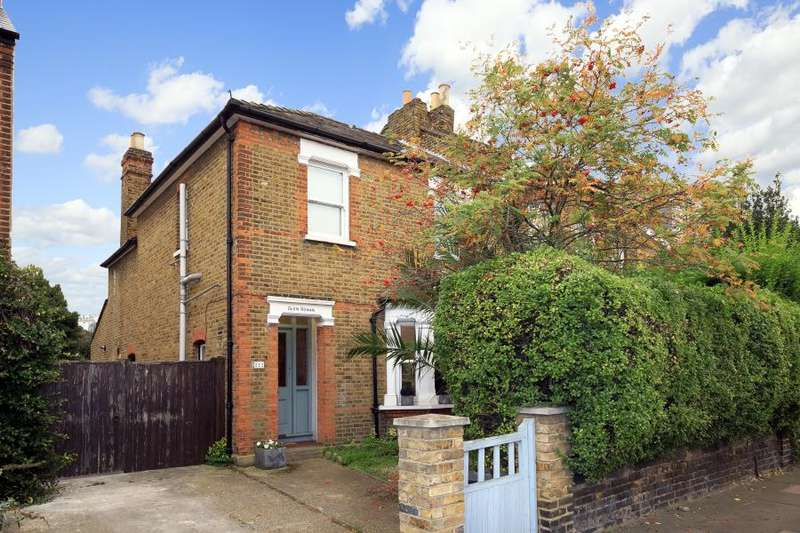 3 Bedrooms Semi Detached House for sale in Stanley Road, Teddington, TW11
