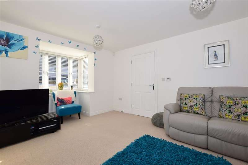 4 Bedrooms Semi Detached House for sale in Brook Road, Buckhurst Hill, Essex