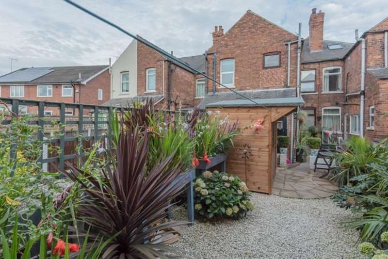 3 Bedrooms Terraced House for sale in Thrumpton Lane, Retford, Nottinghamshire, DN22