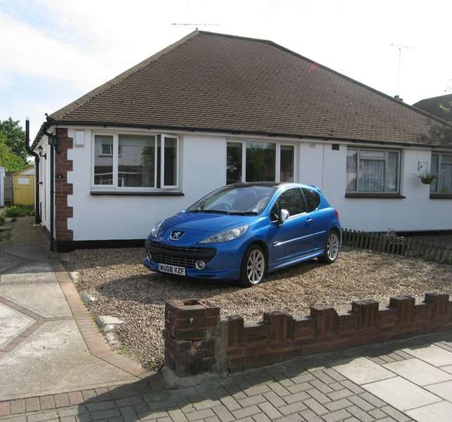 2 Bedrooms Bungalow for sale in Pleasance Road, Orpington, BR5
