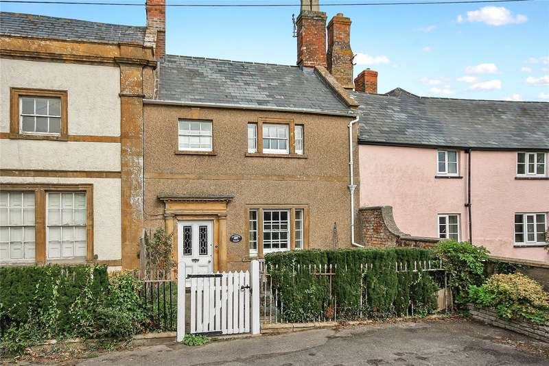 3 Bedrooms Detached House for sale in Ashill, Ilminster, Somerset, TA19