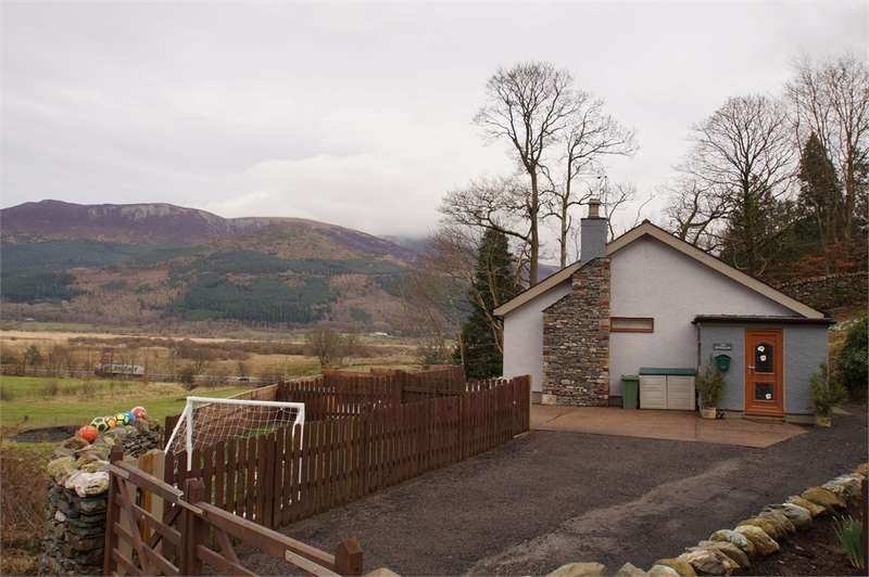 2 Bedrooms Detached Bungalow for sale in CA12 5SG Jenkin Hill, Thornthwaite, Keswick, Cumbria
