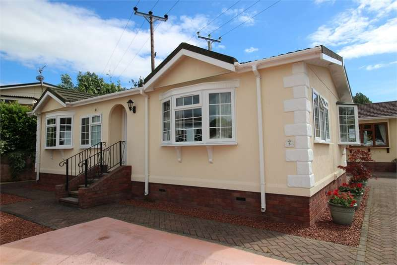 2 Bedrooms Park Home Mobile Home for sale in CA10 2EU Millrace Drive, Eamont Bridge, Penrith, Cumbria