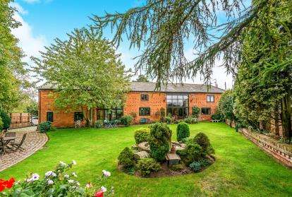 3 Bedrooms Barn Conversion Character Property for sale in Whiston, Penkridge, Stafford, Staffordshire
