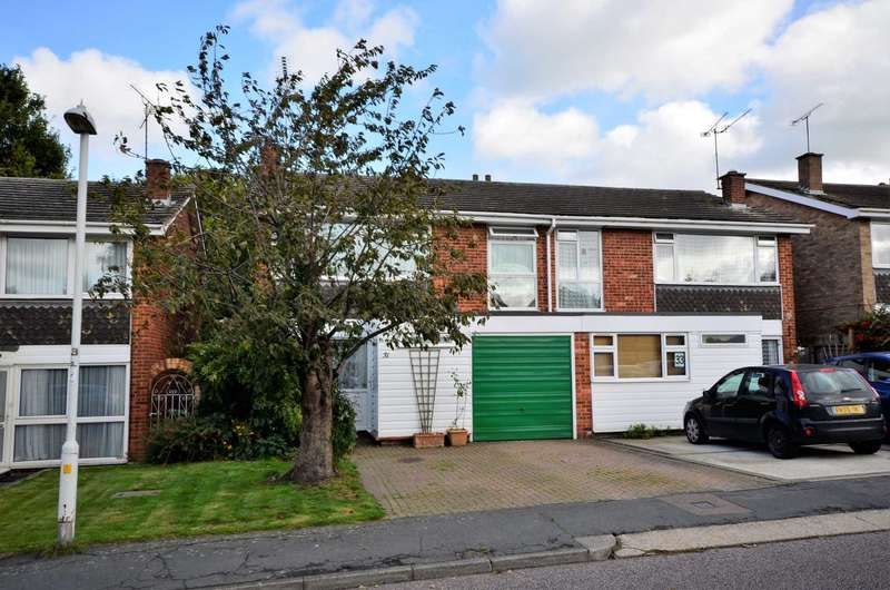 4 Bedrooms Semi Detached House for sale in Brookside, Billericay