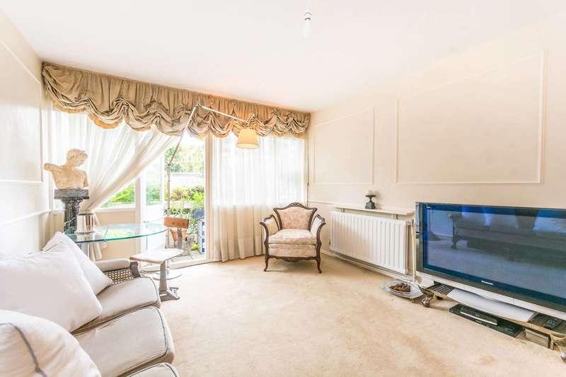 2 Bedrooms Flat for sale in Arbor Court, Stoke Newington, N16