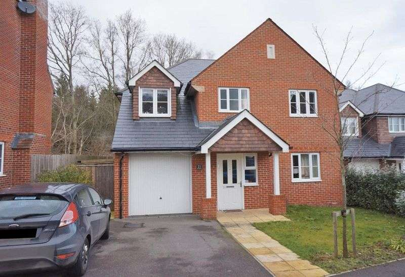 4 Bedrooms Property for rent in Handyside Place Four Marks, Alton