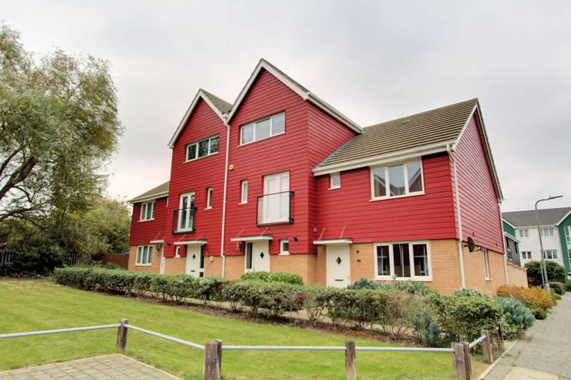 4 Bedrooms Terraced House for sale in Hera Close, Southend On Sea