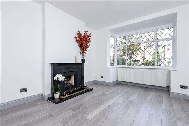 4 Bedrooms Terraced House for sale in Donnybrook Road, LONDON, SW16 5AY