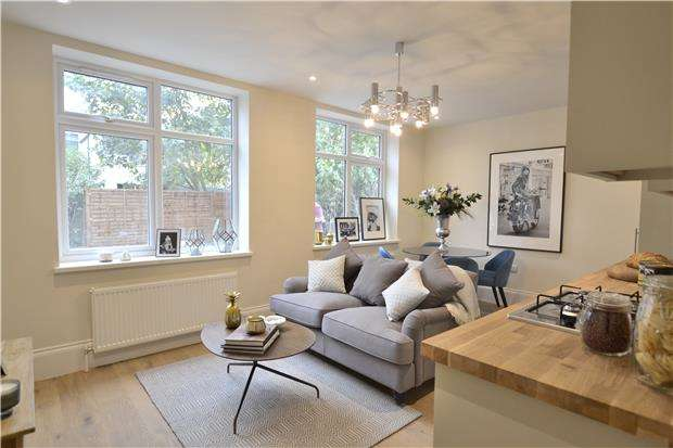 1 Bedroom Flat for sale in Belmont Road, WALLINGTON, Surrey, SM6 8TB