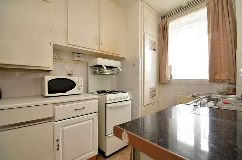 2 Bedrooms Flat for sale in Weir Road, Balham, SW12