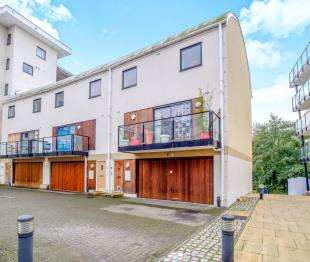 3 Bedrooms End Of Terrace House for sale in Clifford Way, Maidstone, Kent